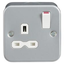 Metal Clad 13A 1G DP Switched Socket