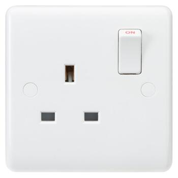 White 13A Single Switched Socket - 1 Gang DP - Pack of 1
