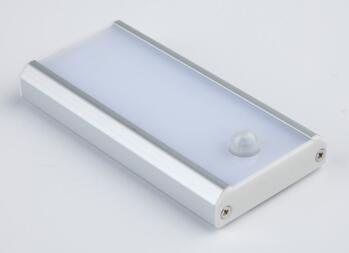 LED Rechargeable Light With PIR - Bari